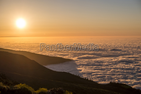 spain tenerife clouds and pico del