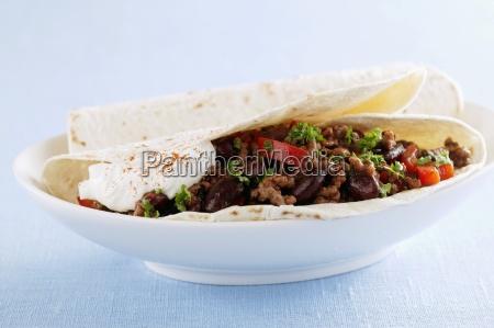 tortillas with chilli con carne