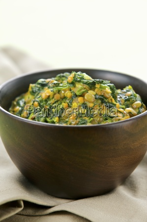 spinach and lentil stew with oriental