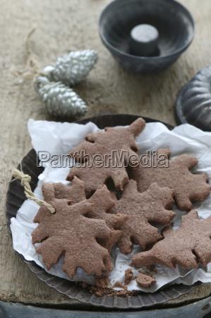 gluten free leaf shaped shortbread biscuits