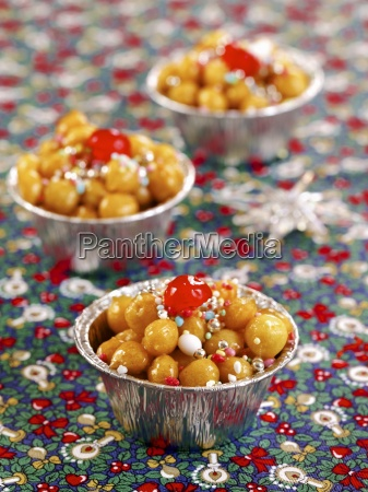 struffoli di natale christmas sweets from