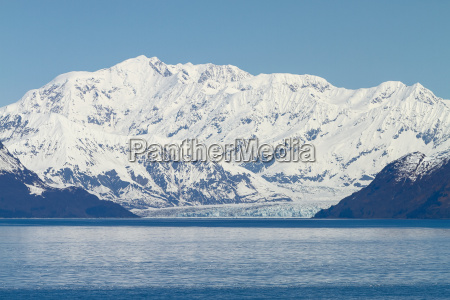 hubbard glacier in yakutat bay alaska