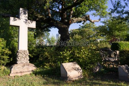 oakland cemetery gravestones landscape atlanta georgia