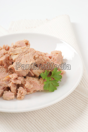 chunks of canned tuna