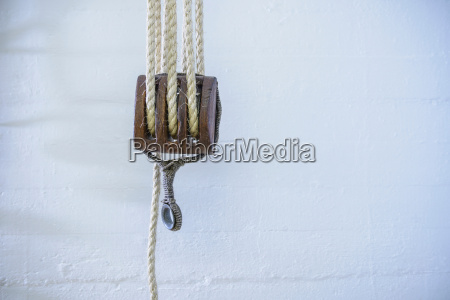 rope and hook of a block