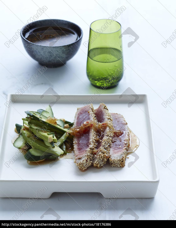 sesame, crusted, tuna - 18176386