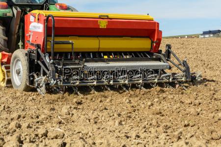 seeders brings sowing in the soil