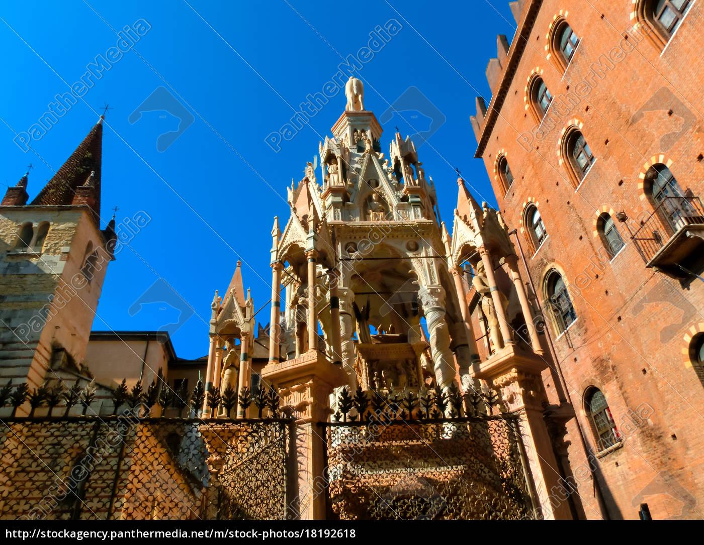 scaligeri, arch, in, verona, , italy - 18192618