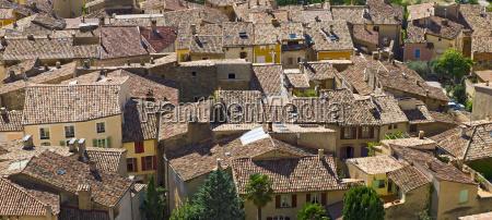 rooftops of moustiers sainte marie verdon