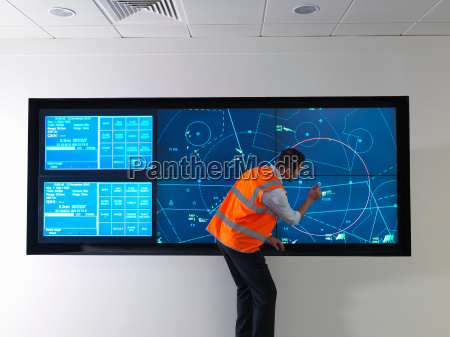 air traffic controller with simulation