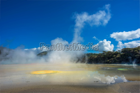 artists palette geothermal feature waiotapu thermal