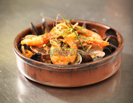 bowl of prawns and mussels