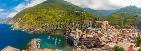 panorama of vernazza cinque terre liguria