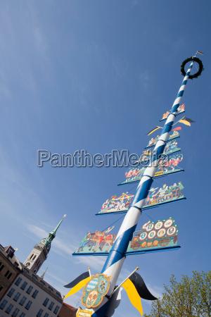 maypole at viktualienmarkt