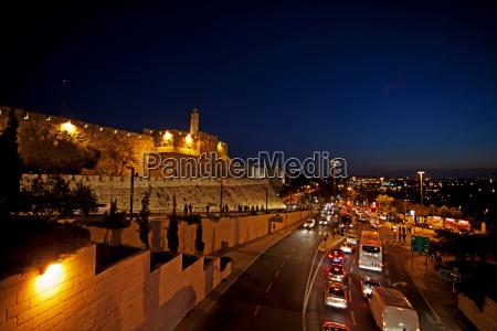 jerusalem old city the illuminated walls
