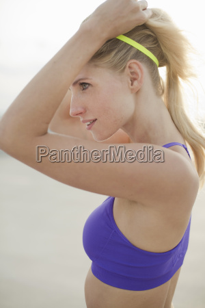 mujer risilla sonrisas primer plano deporte