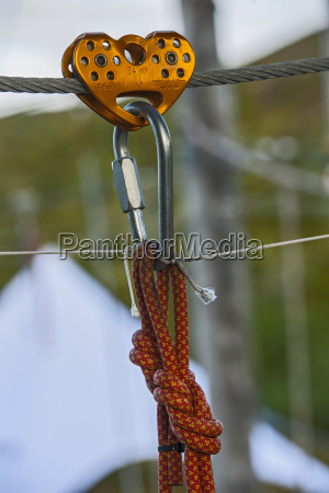 pulley device and safety carabiners at