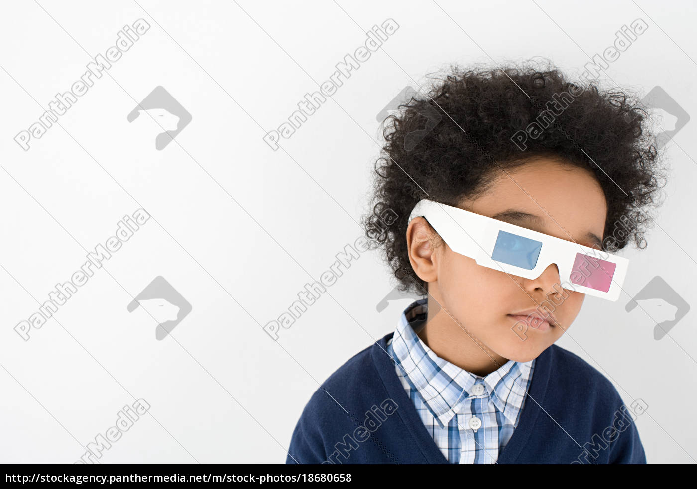 boy, wearing, 3d, glasses - 18680658