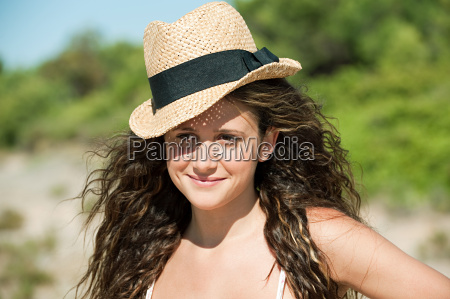 young, woman, wearing, hat, , portrait - 18682046