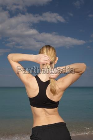 mujer deporte deportes femenino nube playa