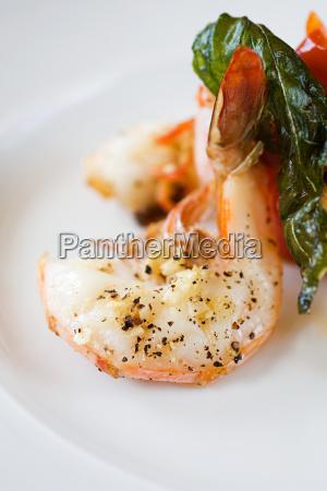 shrimp with basil leaf