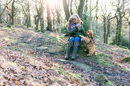 donna stivale amicizia femminile albero animale