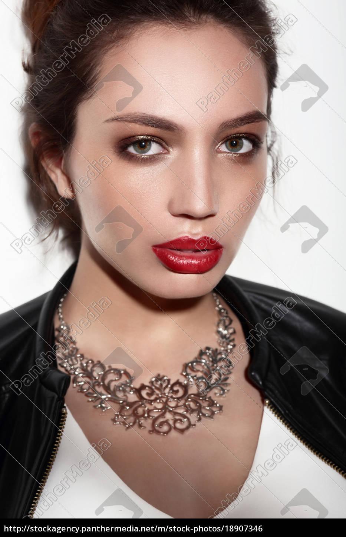 portrait, , fashion, makeup. - 18907346