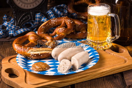 bavarian sausage with pretzel sweet mustard