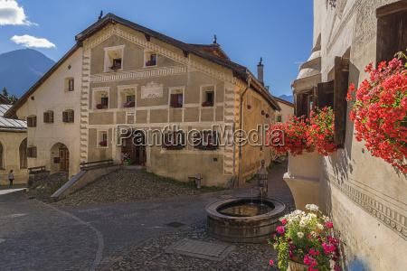 guarda village square with fountain