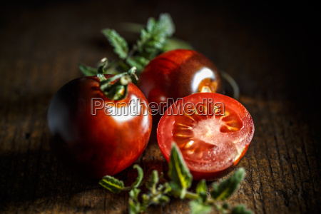 red delicious tomatoes