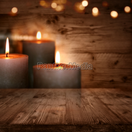 huts romanticism with candles