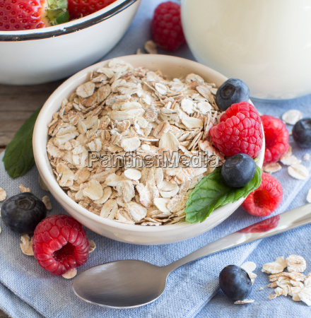 rolled oats in a bowl with
