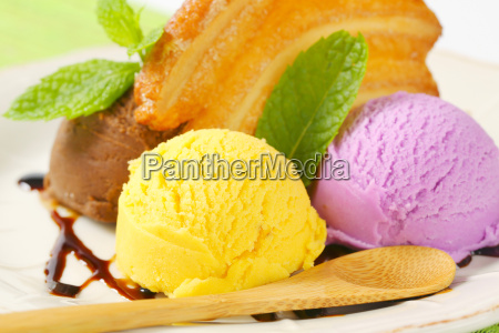 scoops of ice cream with puff