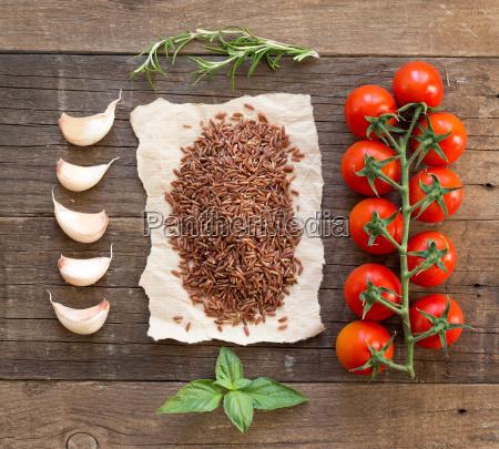 organic red rice tomatoes garlic and
