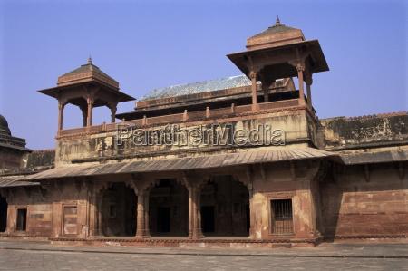 fatehpur sikri built by akbar the