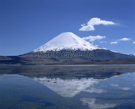 parinacota volcano and lake chungara in