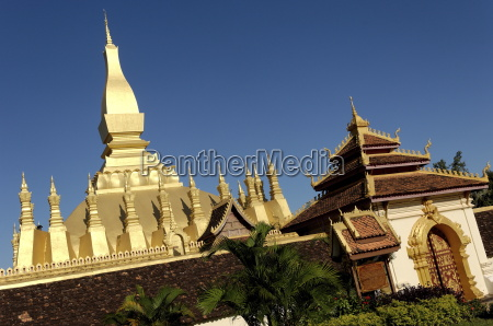 that luang stupa constructed in 1566