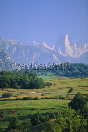 naranjo de bulnes peak picos de