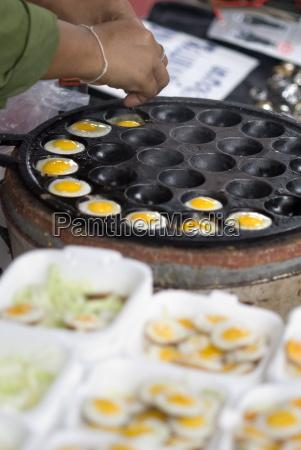 cooking quail eggs chatuchak weekend market