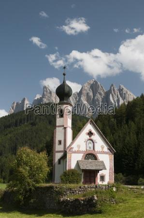 st johann church funes valley villnoss