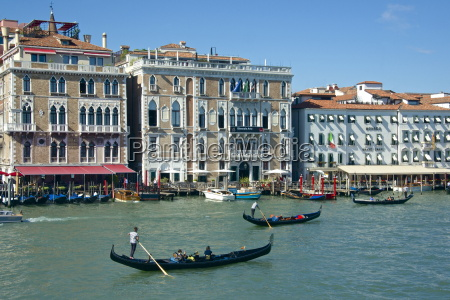 gondolas gondoliers and tourists hotel bauer