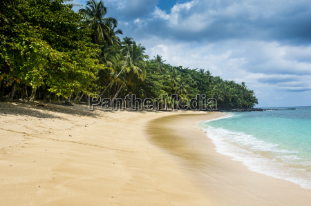 banana beach unesco biosphere reserve principe