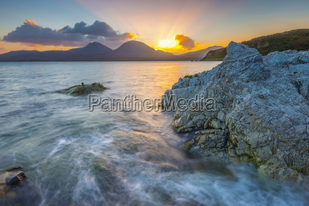 isle of jura and paps of