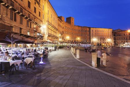 restaurants at piazza del campo siena