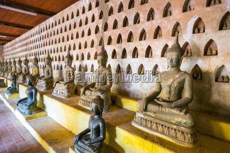 buddha statues inside wat si saket