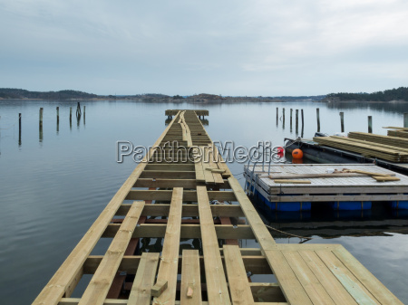 building a new jetty for the