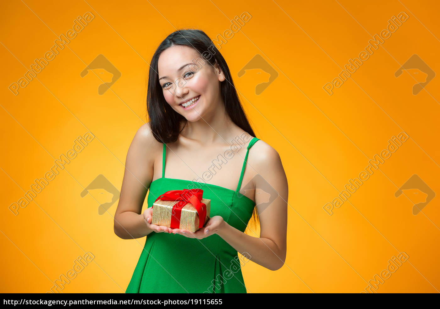 chinese, girl, with, a, gift - 19115655