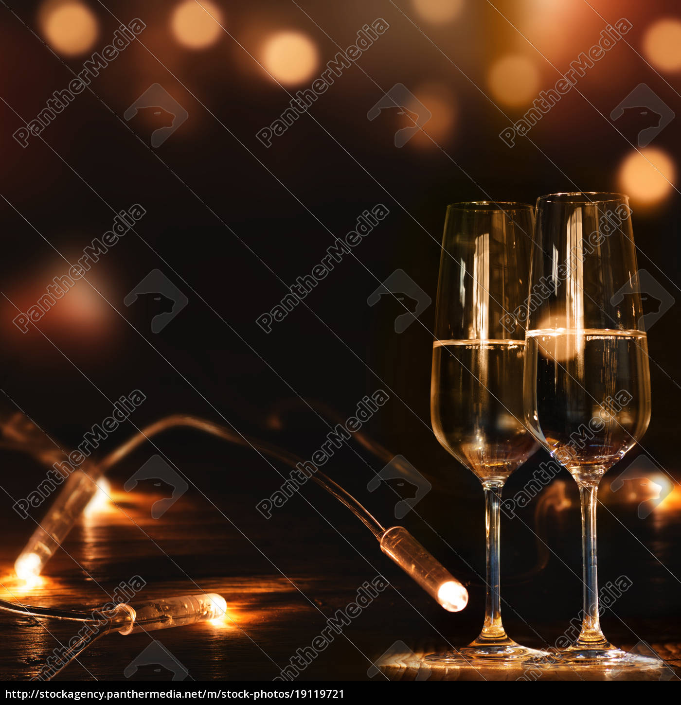 champagne, glasses, in, front, of, a - 19119721