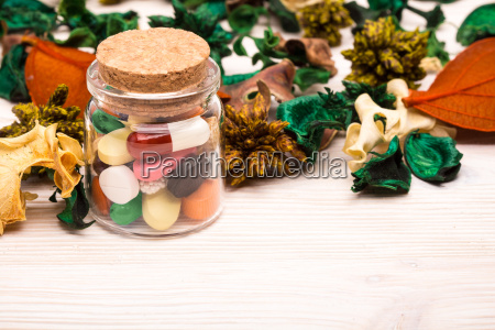 various, pills, and, capsules, with, green - 19127423