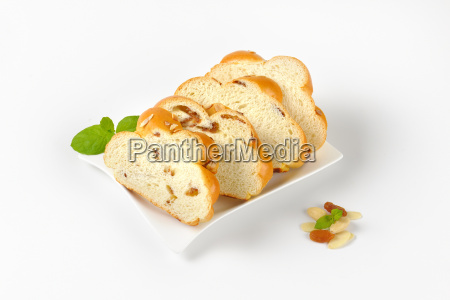 slices, of, sweet, braided, bread - 19133797
